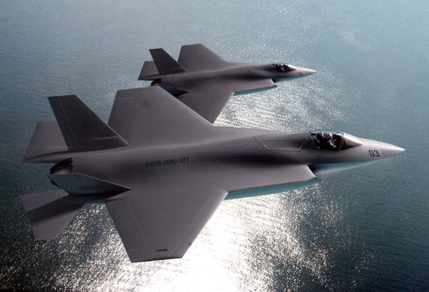 Why Does this Top USAF Pilot Argue Against Stealth Fighters?